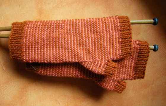 jenjoycedesign©Jenjoyce's Pin-striped Fingerless Mits