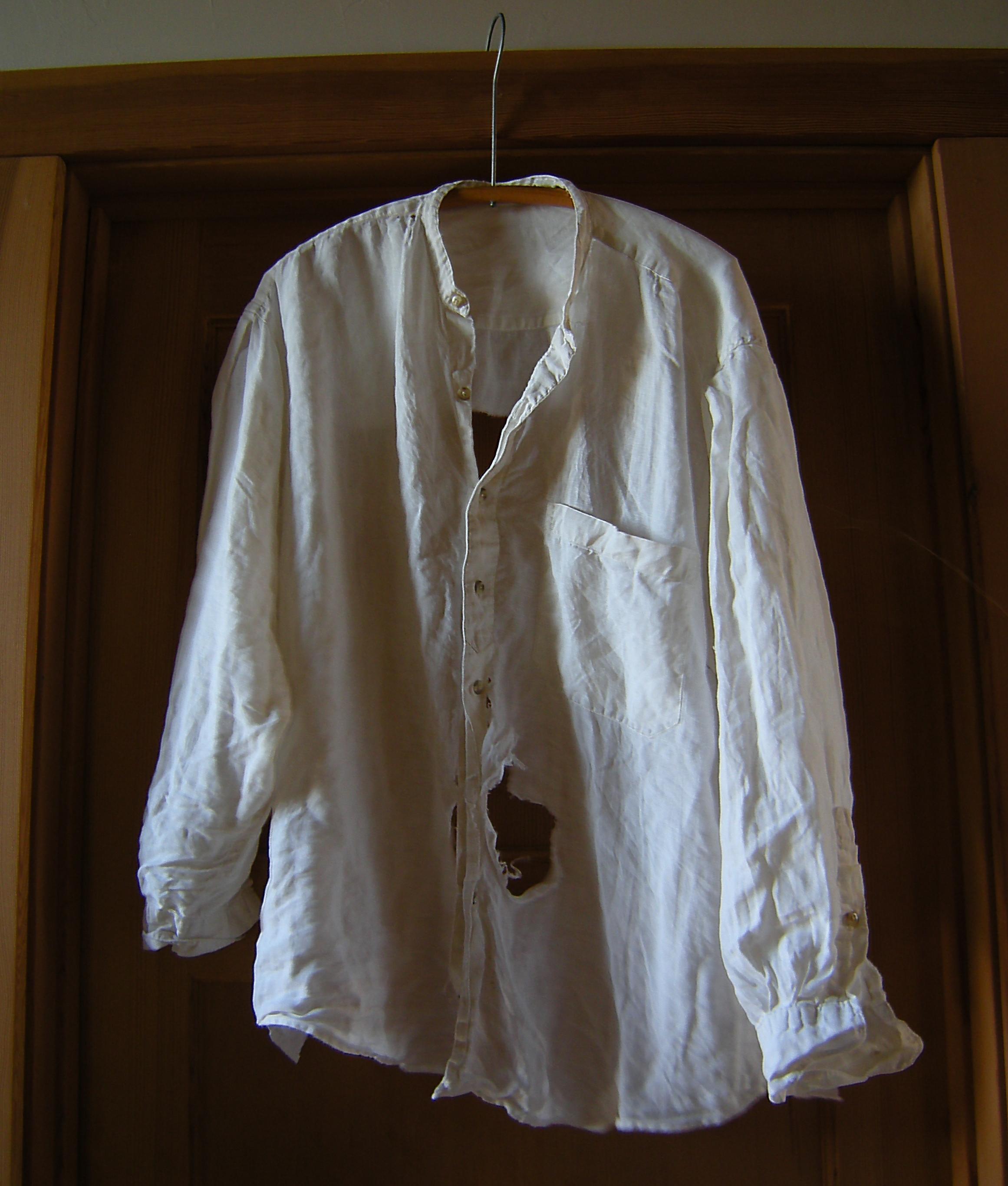 jenjoycedesign©an-old-linen-shirt   Yarnings