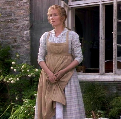 regency apron worn by Ellinor in Sense & Sensibility