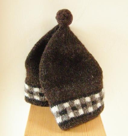 jenjoycedesign©Dicey cap Shetland Black