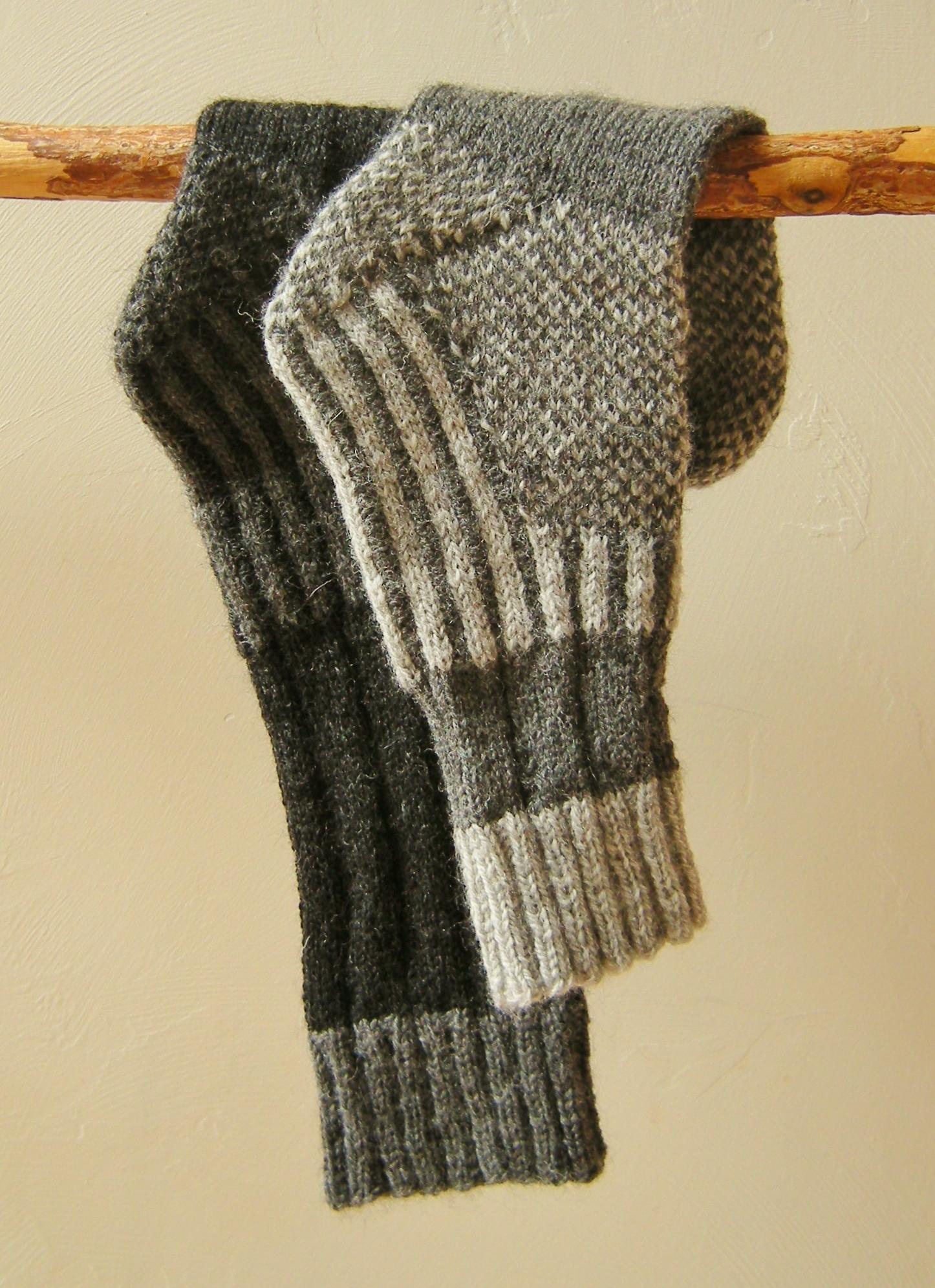 jenjoycedesign© Wild Wool Trail Socks (2)