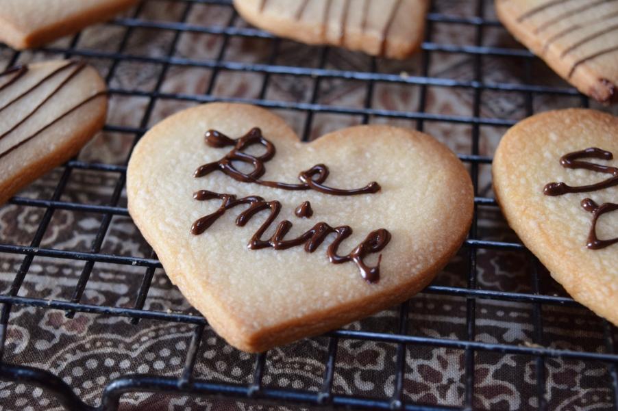 jenjoycedesign© valentine shortbread.JPG
