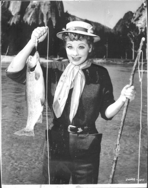 d42c258bdb719f6102f2f83fa5757b17--women-fishing-fishing-girls