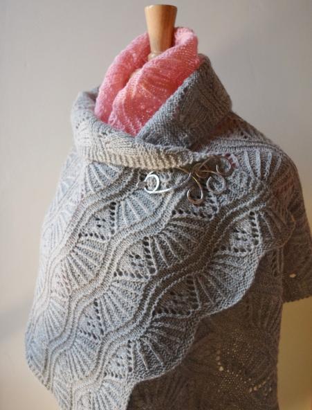 jenjoycedesign© med stole & small shawl