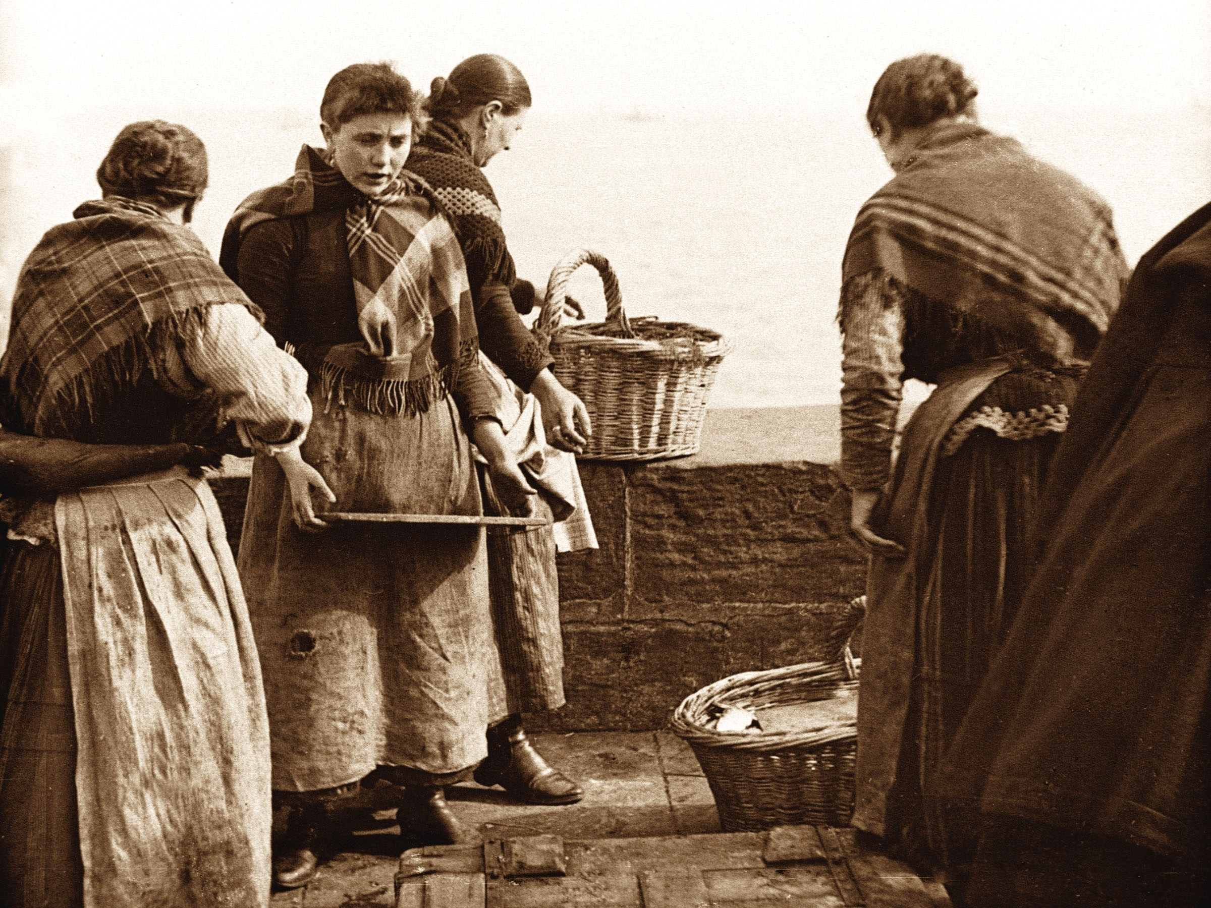 Newhaven Fishwives early 1900s