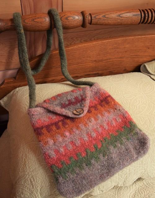 jenjoycedesign© felted satchel