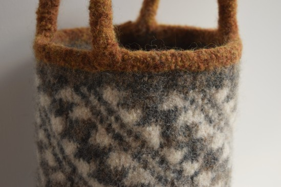 jenjoycedesign© felted basket bag detail