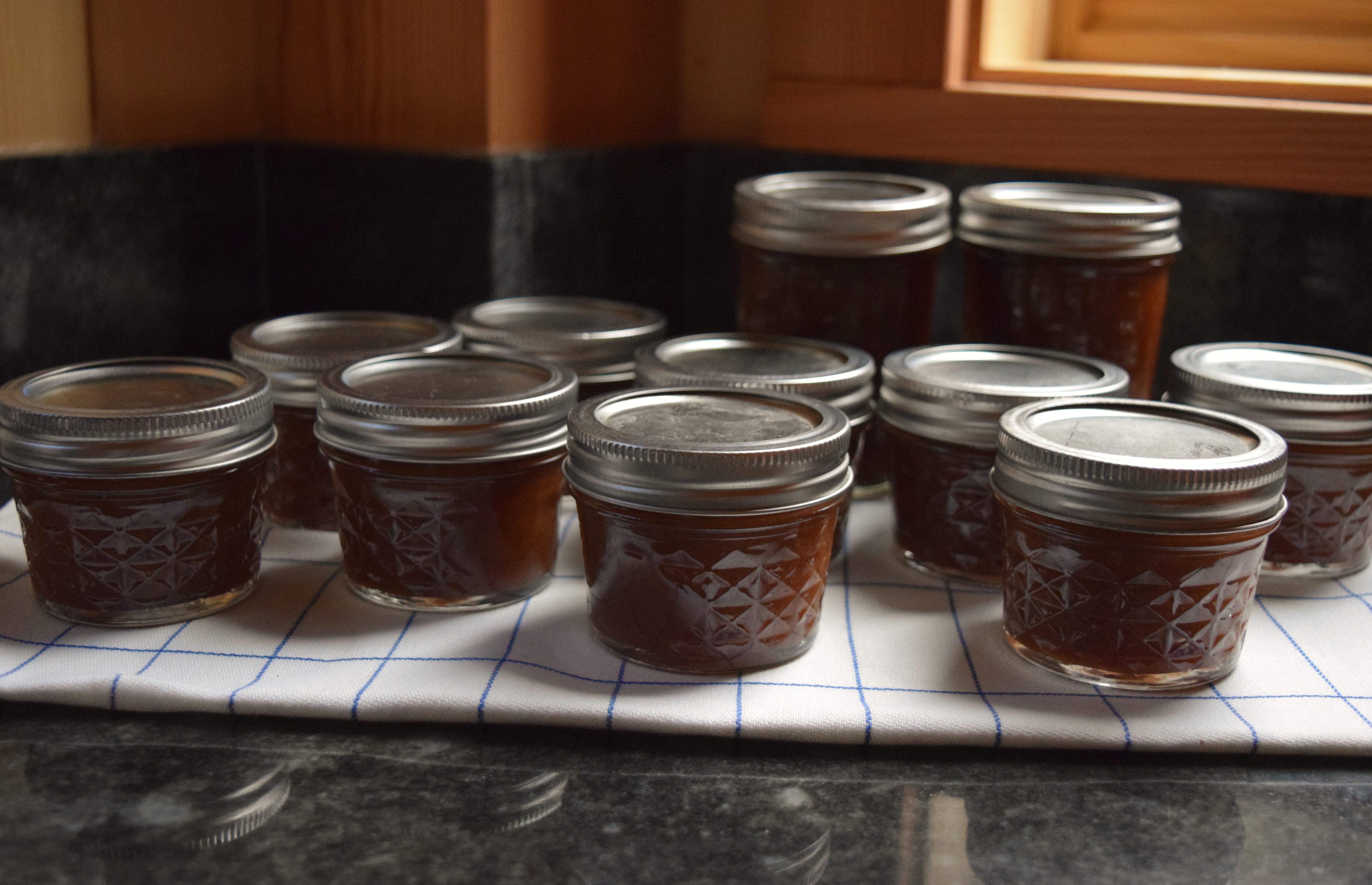jenjoycedesign© making apple jam 3