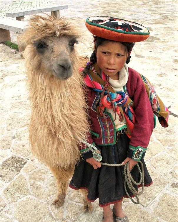 A_Quechua_girl_and_her_Llama